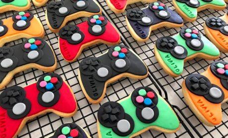 Super Best Cakes For Kids Parties In Perth Game Vault Perth Funny Birthday Cards Online Hetedamsfinfo